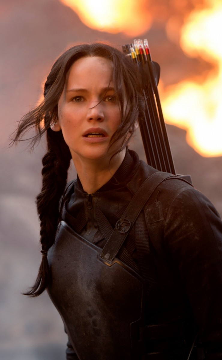 Jennifer Lawrence in The Hunger Games Wallpaper for Apple iPhone 4 / 4s