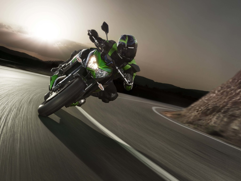 Kawasaki Ninja ZX-10R Wallpaper for Desktop 1024x768