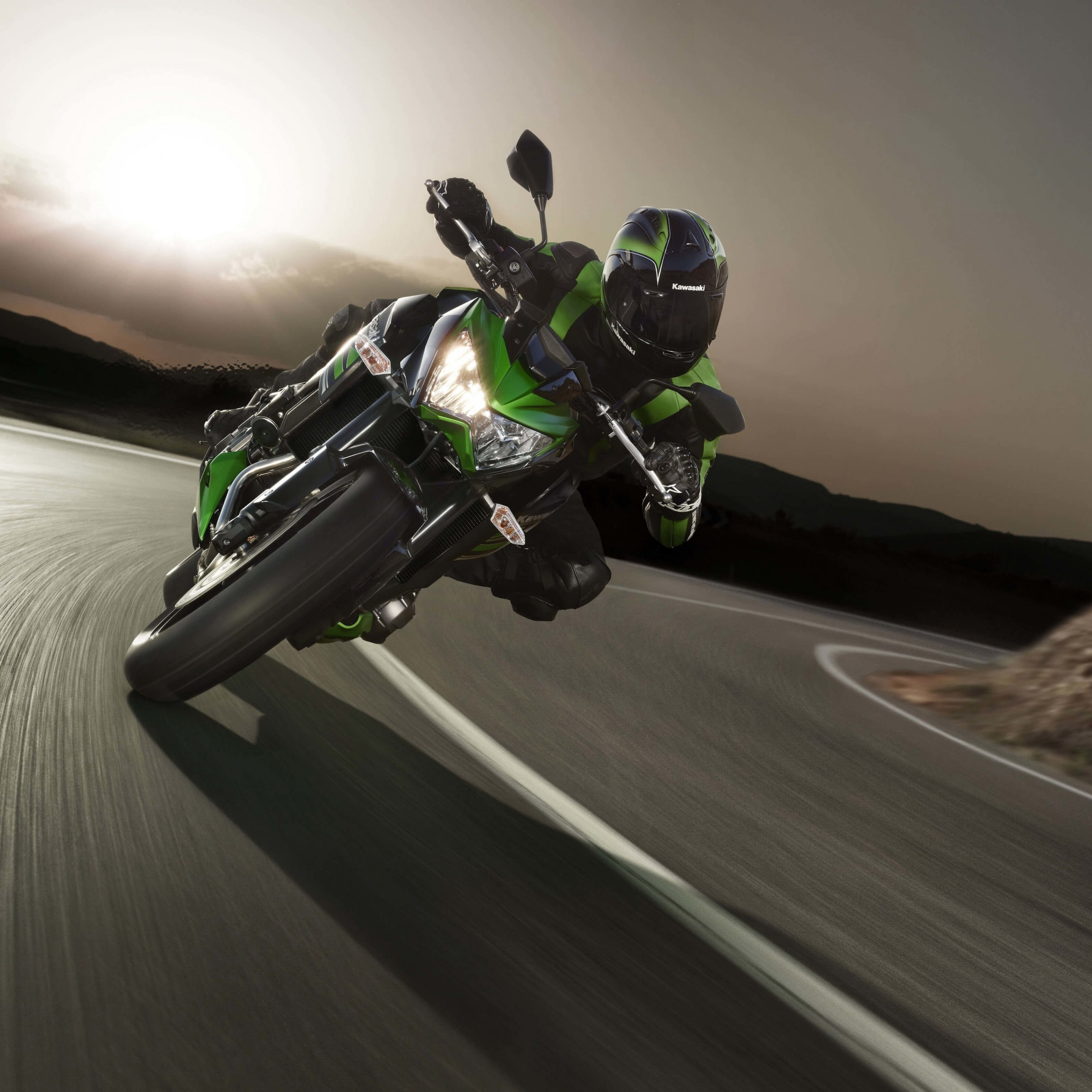 Kawasaki Ninja ZX-10R Wallpaper for Apple iPad 3