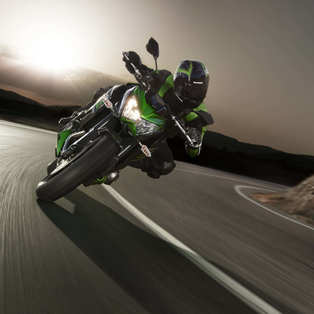Kawasaki Ninja ZX-10R Wallpaper for Apple iPad