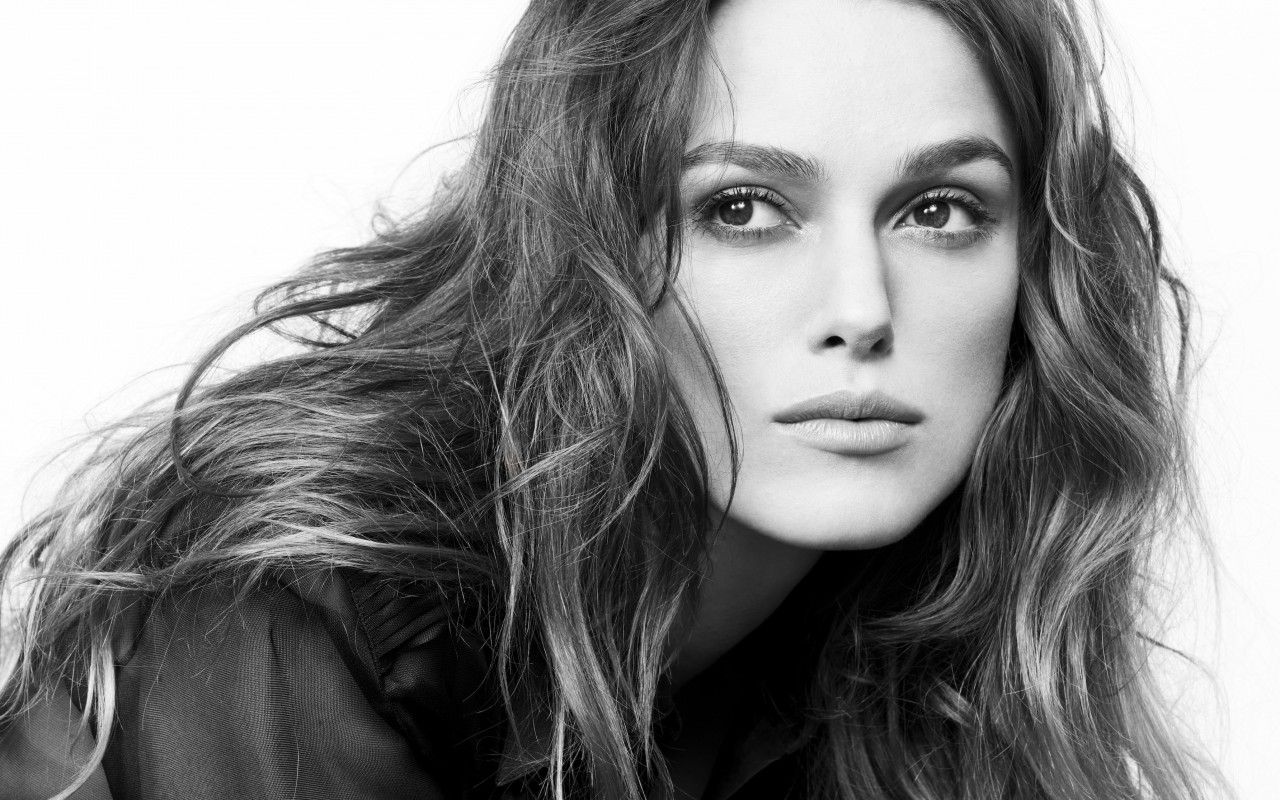 Keira Knightley in Black & White Wallpaper for Desktop 1280x800