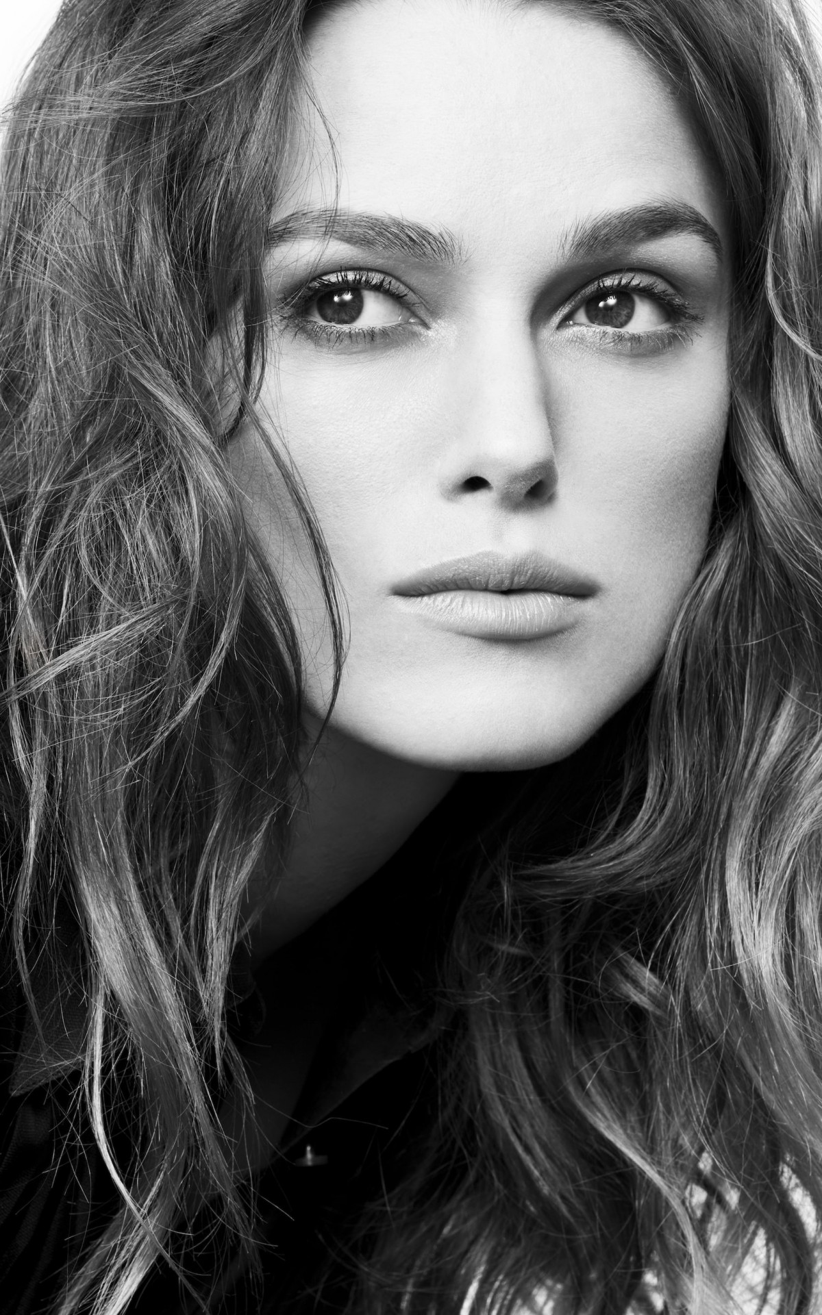 Keira Knightley in Black & White Wallpaper for Amazon Kindle Fire HDX