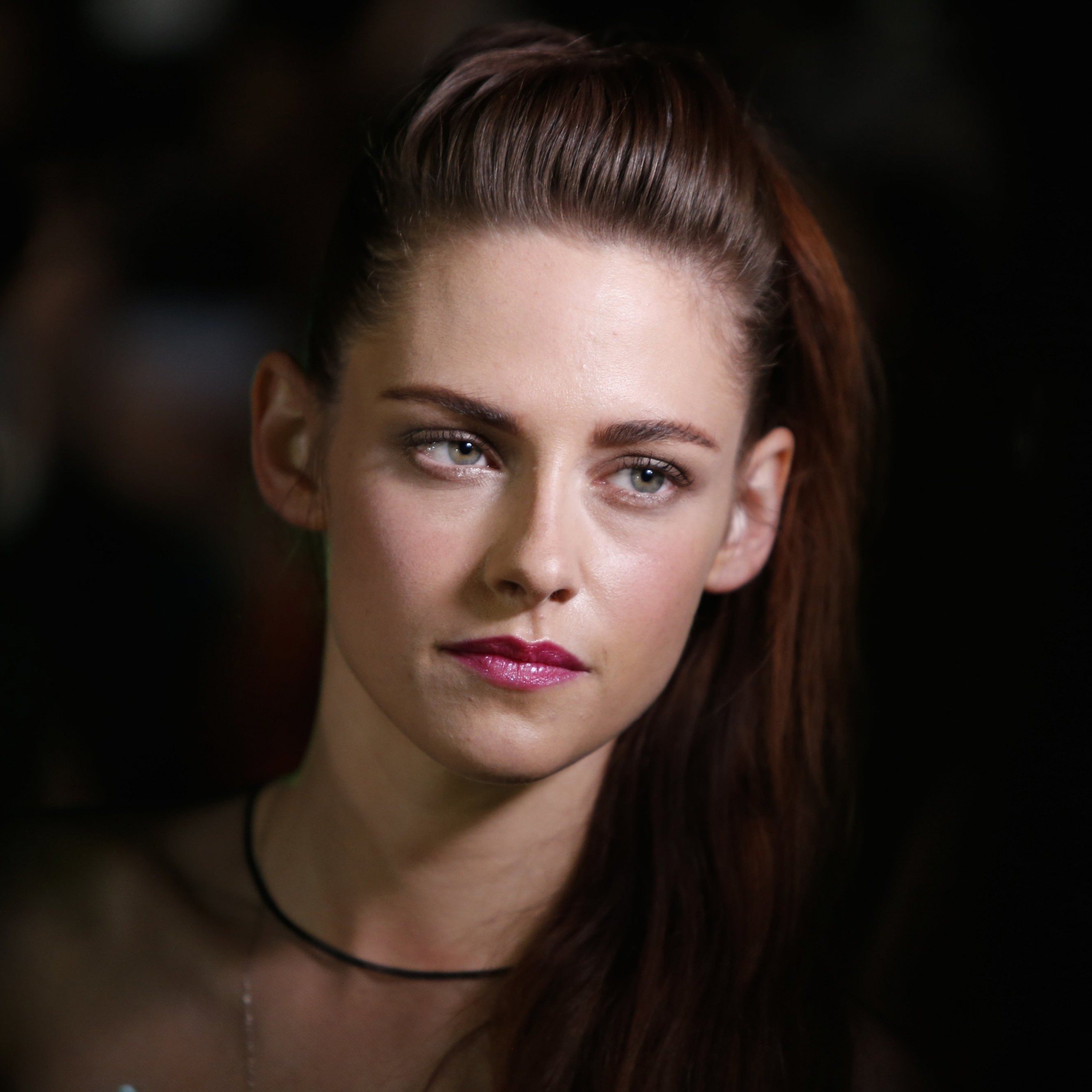 Kristen Stewart Wallpaper for Apple iPad Air