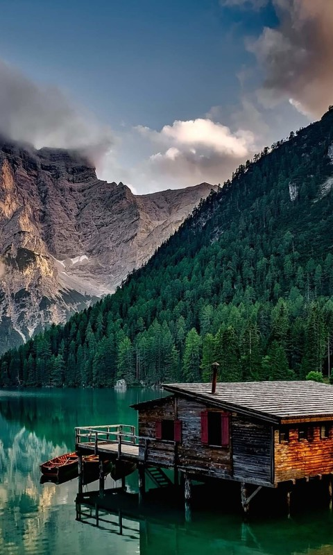 Lake Prags - Italy Wallpaper for SAMSUNG Galaxy S3 Mini
