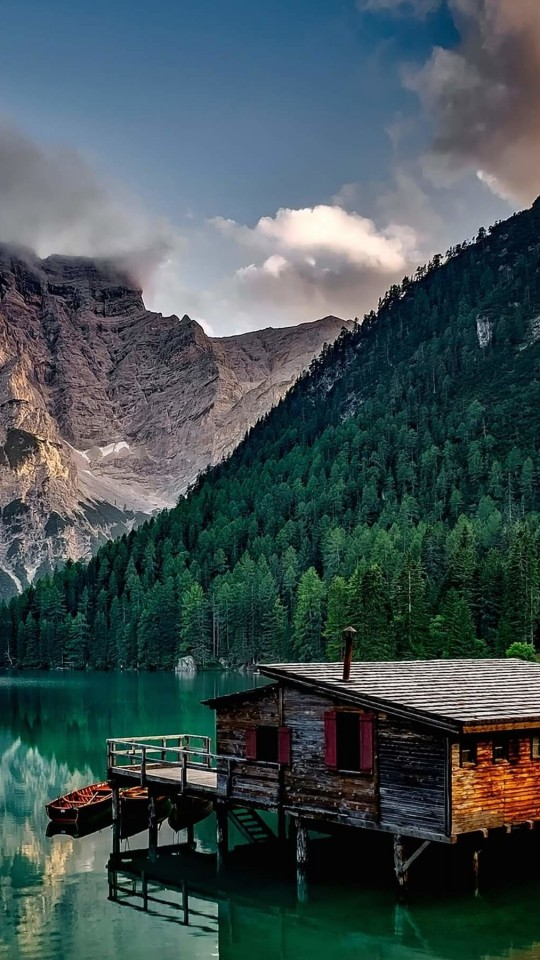 Lake Prags - Italy Wallpaper for SAMSUNG Galaxy S4 Mini