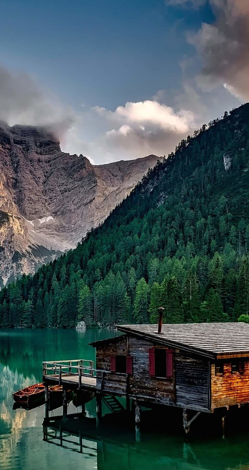 Lake Prags - Italy Wallpaper for Apple iPhone 6 / 6s