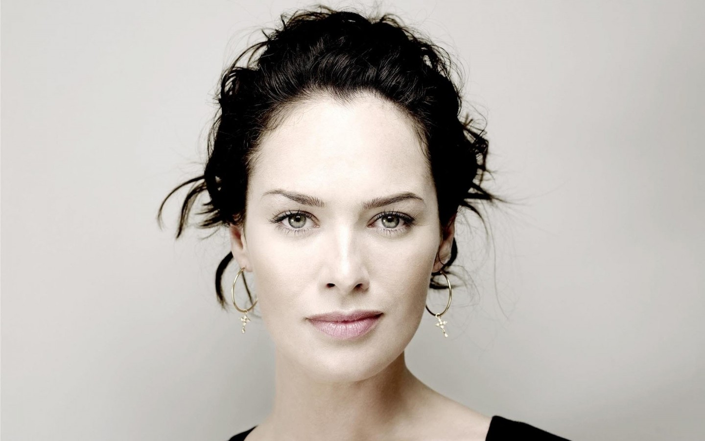 Lena Headey Portrait Wallpaper for Desktop 1440x900