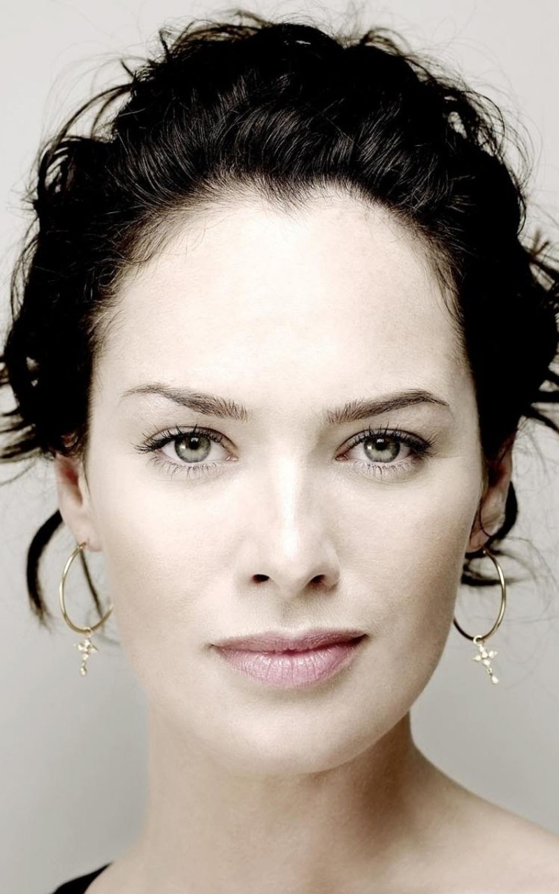 Lena Headey Portrait Wallpaper for Amazon Kindle Fire HD