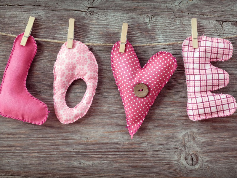 Love Letters Clothespin HD wallpaper for 800x600 screens ...