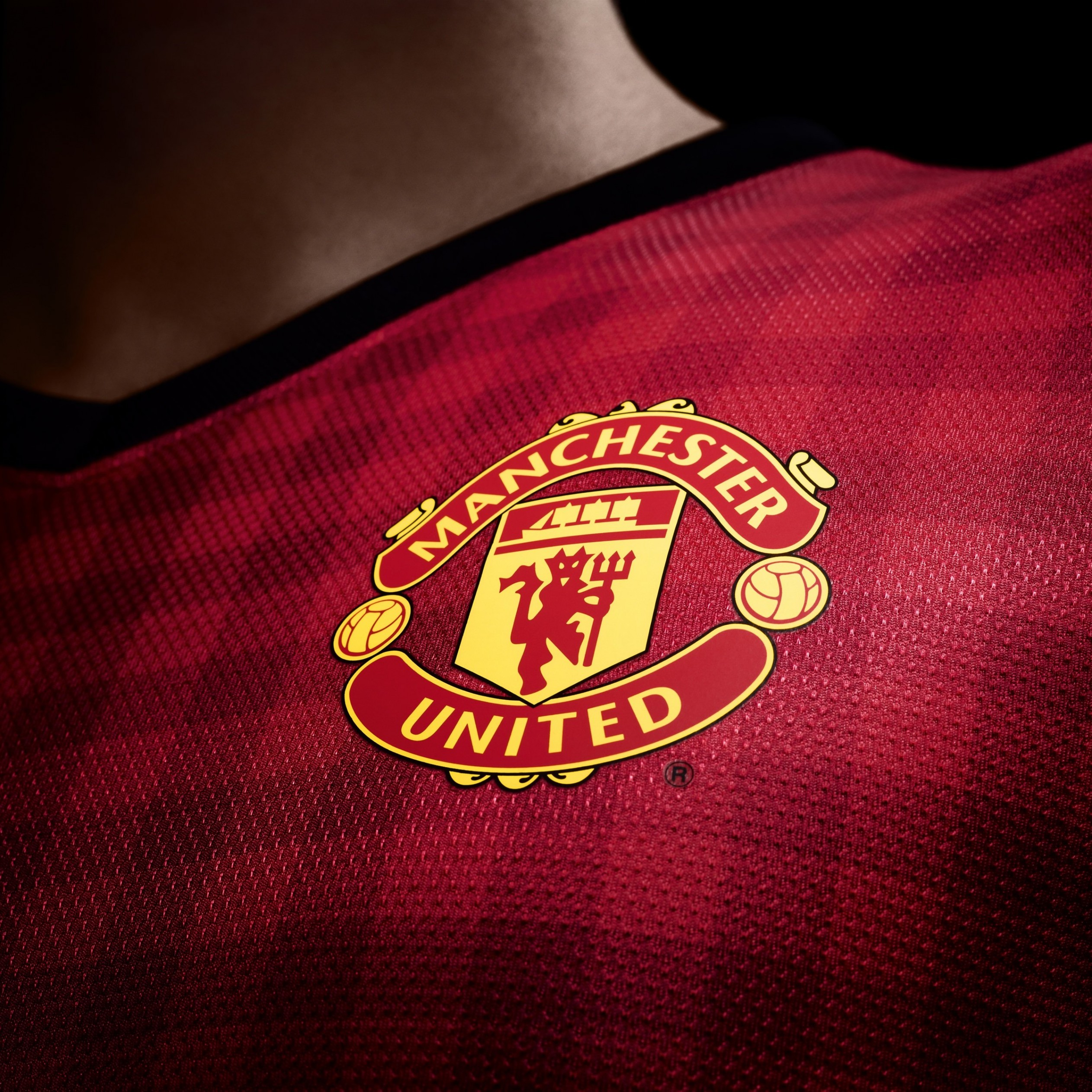 Manchester United Logo Shirt Wallpaper for Apple iPad mini 2