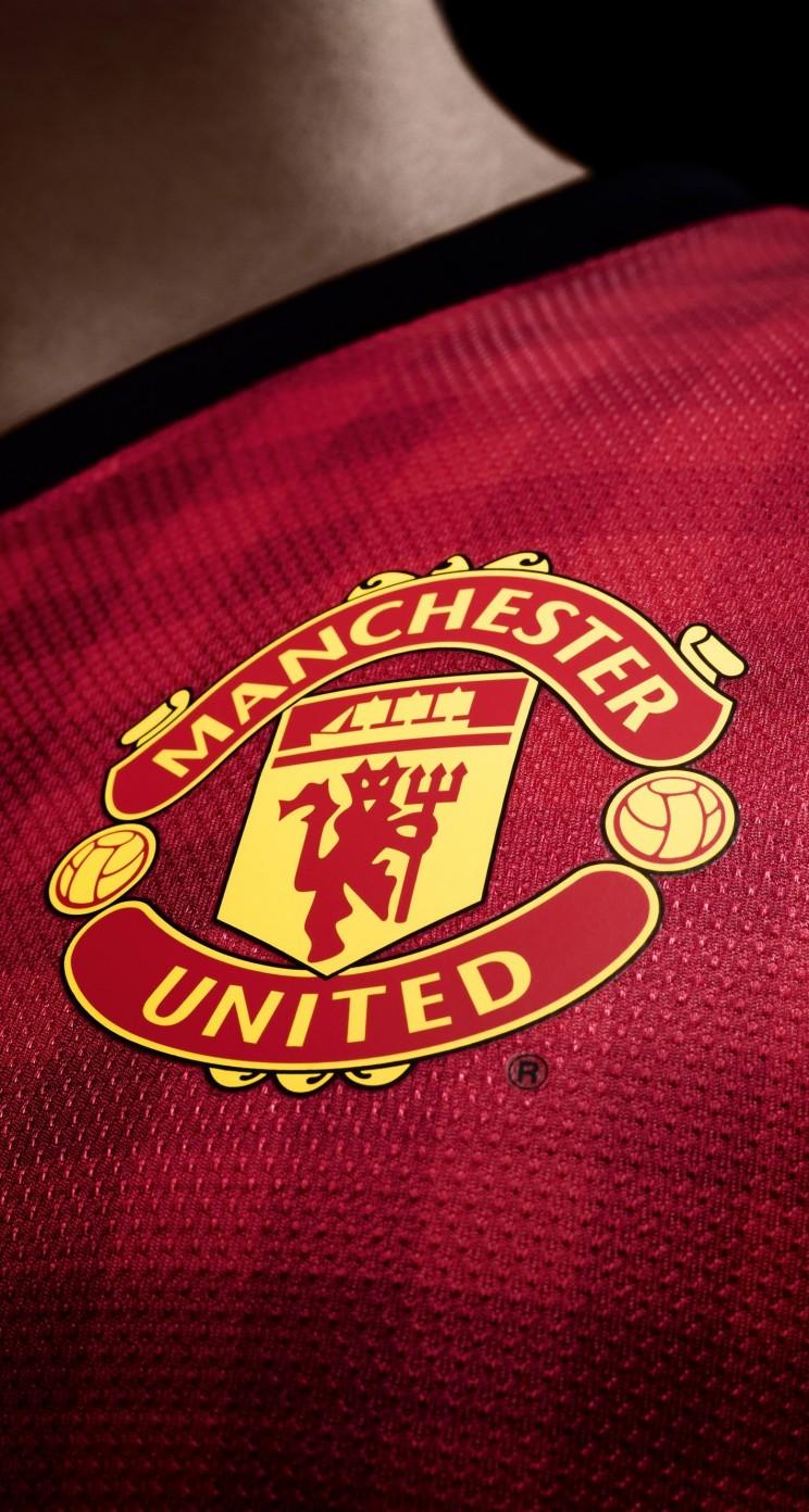 Download Manchester United Logo Shirt HD wallpaper for ...
