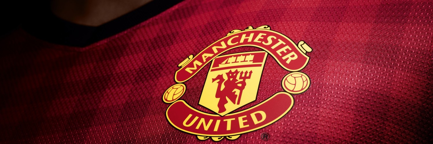 Manchester United Logo Shirt Wallpaper for Social Media Twitter Header