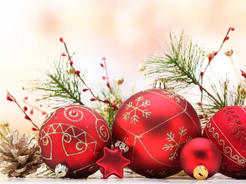 Matte Red Christmas Ball Ornaments Wallpaper for Desktop 800x600