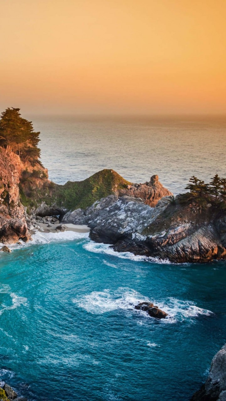 McWay Falls in Big Sur, California, USA Wallpaper for SAMSUNG Galaxy Note 2