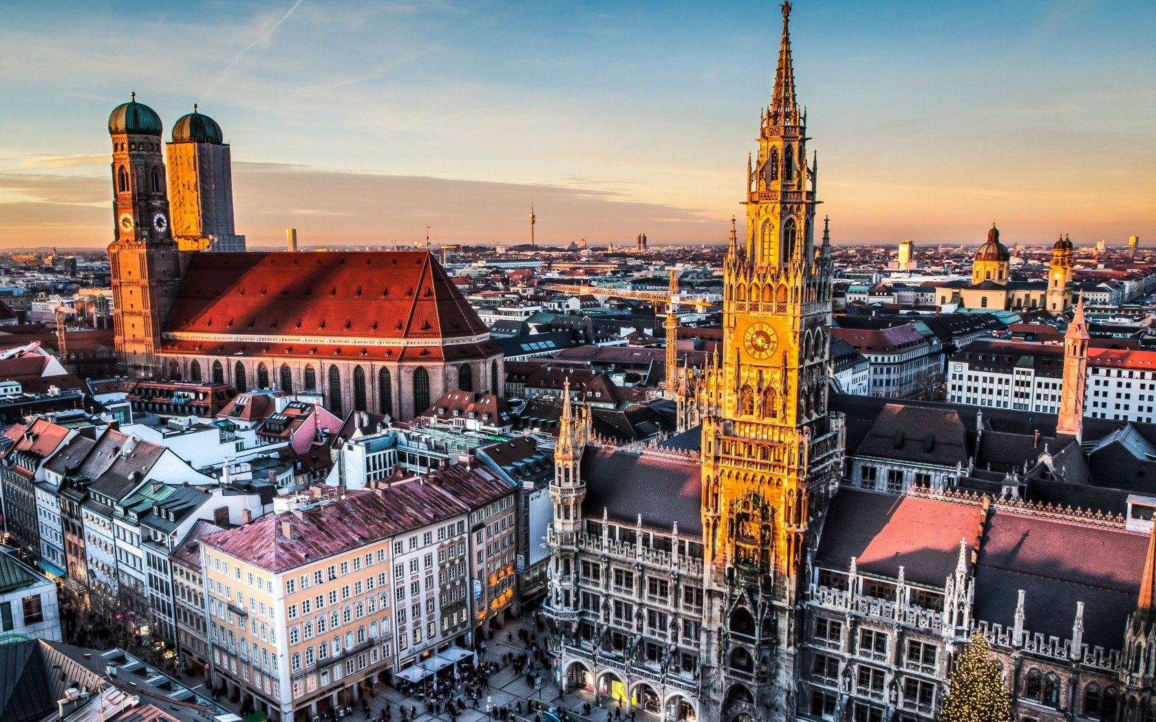 Munich Skyline Wallpaper for Desktop 1680x1050