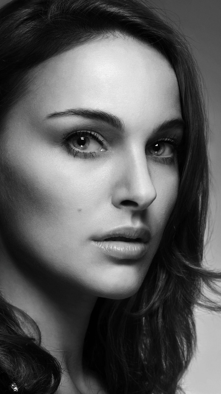 Natalie Portman in Black & White Wallpaper for SAMSUNG Galaxy S3