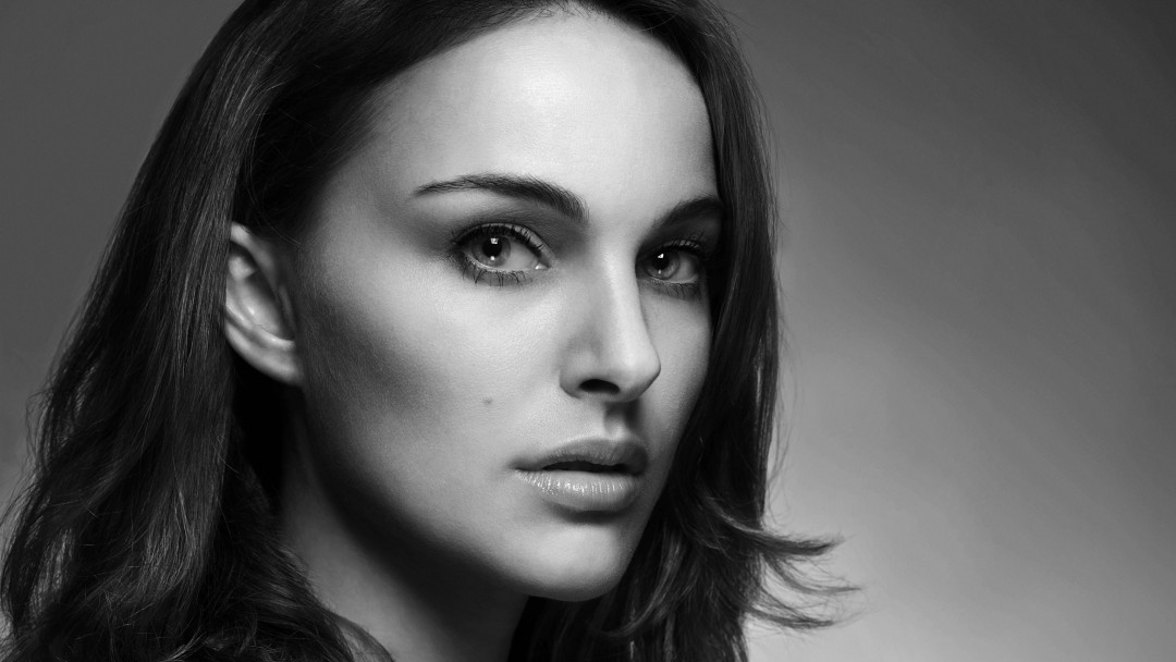 Natalie Portman in Black & White Wallpaper for Social Media Google Plus Cover