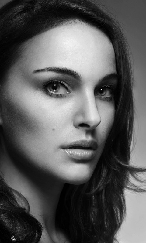 Natalie Portman in Black & White Wallpaper for HTC Desire HD