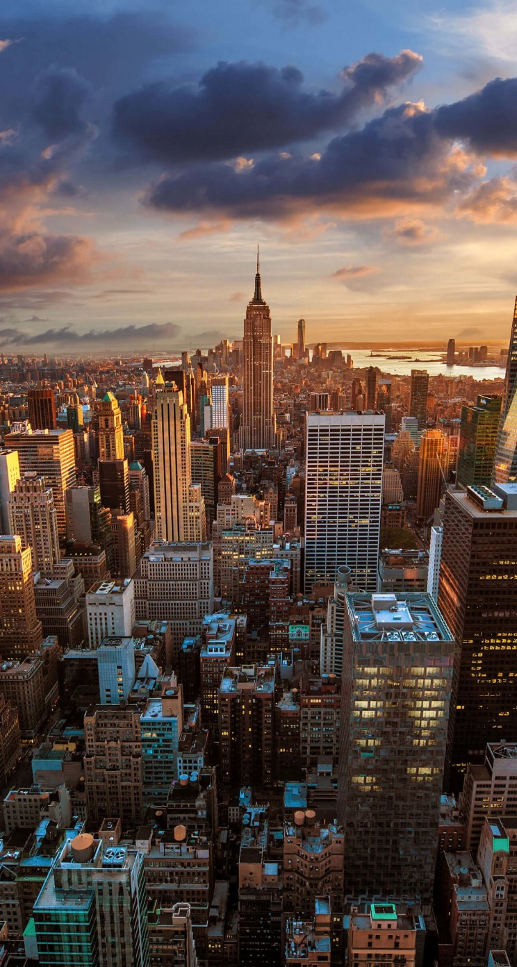 New York City Skyline At Sunset Wallpaper for Apple iPhone 5 / 5s