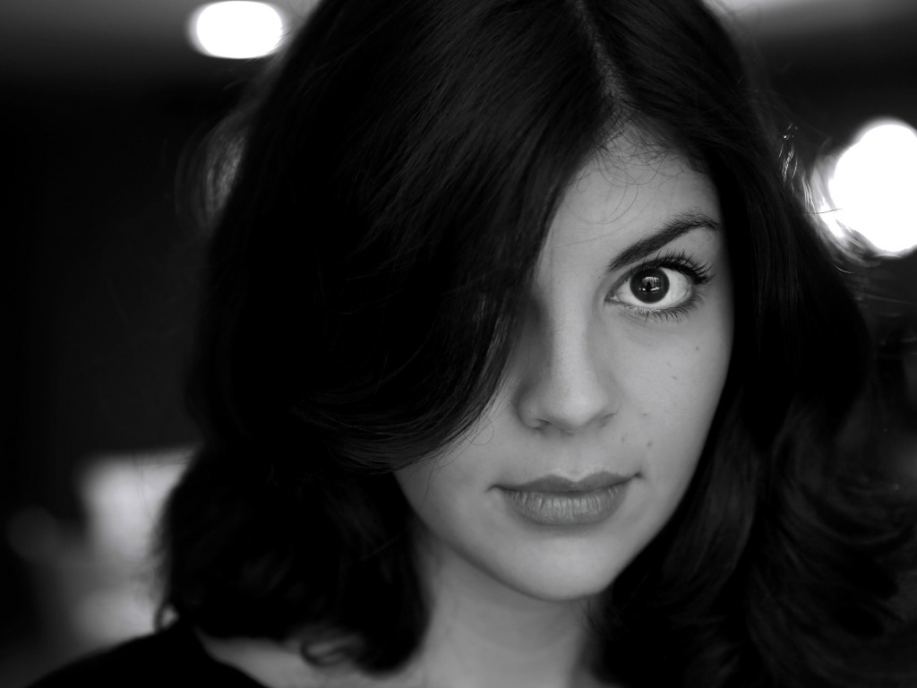 Nikki Yanofsky Black & White Portrait Wallpaper for Desktop 1024x768