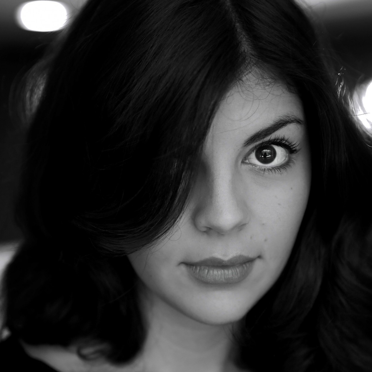 Nikki Yanofsky Black & White Portrait Wallpaper for Apple iPad mini