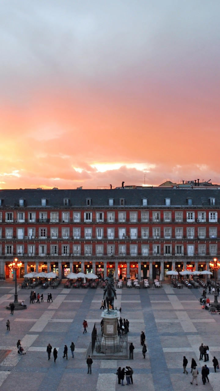 Plaza Mayor, Madrid, Spain Wallpaper for Motorola Droid Razr HD