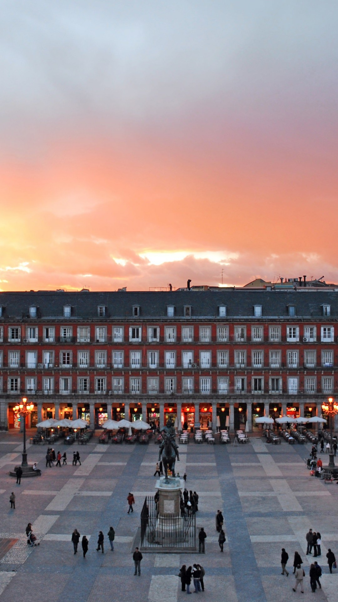 Plaza Mayor, Madrid, Spain Wallpaper for SAMSUNG Galaxy Note 3