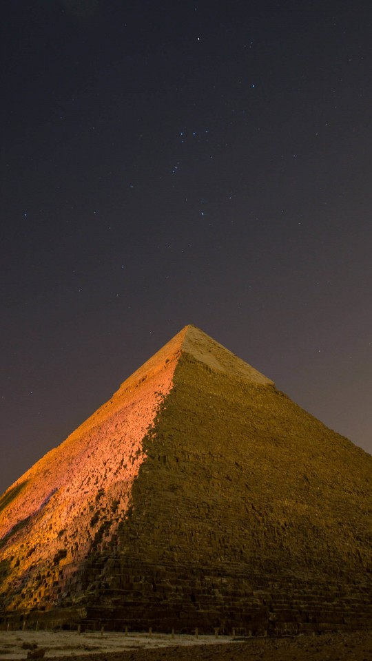 Pyramid by Night Wallpaper for SAMSUNG Galaxy S4 Mini
