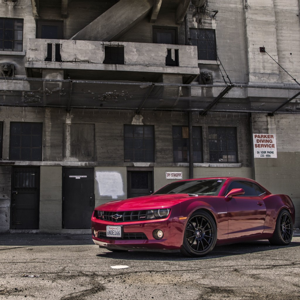 Red Chevrolet Camaro RS Wallpaper for Apple iPad 2