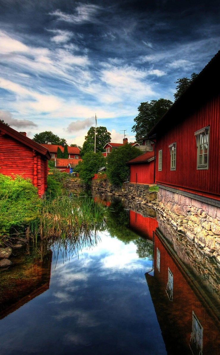 Red Village, Norberg, Sweden Wallpaper for Apple iPhone 4 / 4s