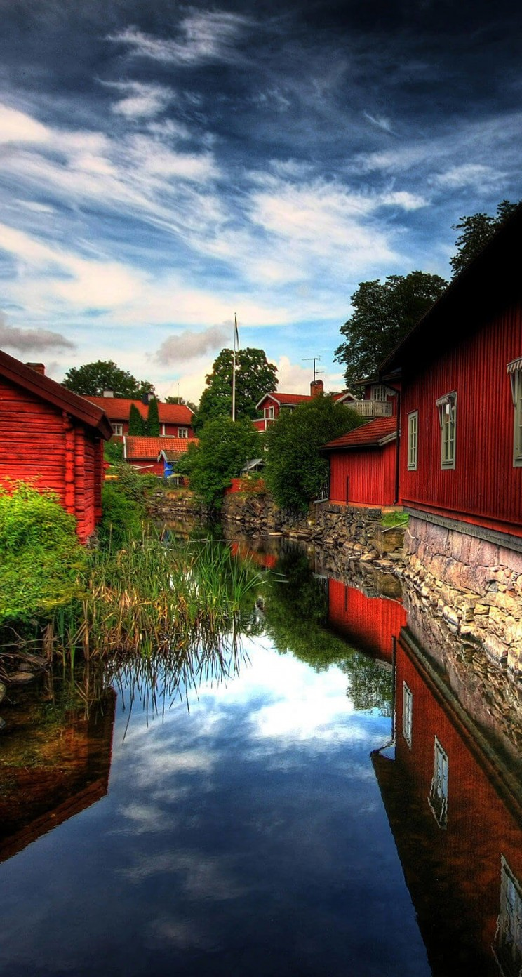 Red Village, Norberg, Sweden Wallpaper for Apple iPhone 5 / 5s