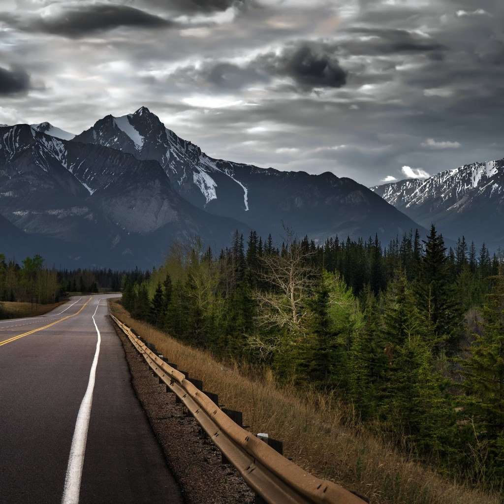 Road trip on a stormy day, Canada Wallpaper for Apple iPad