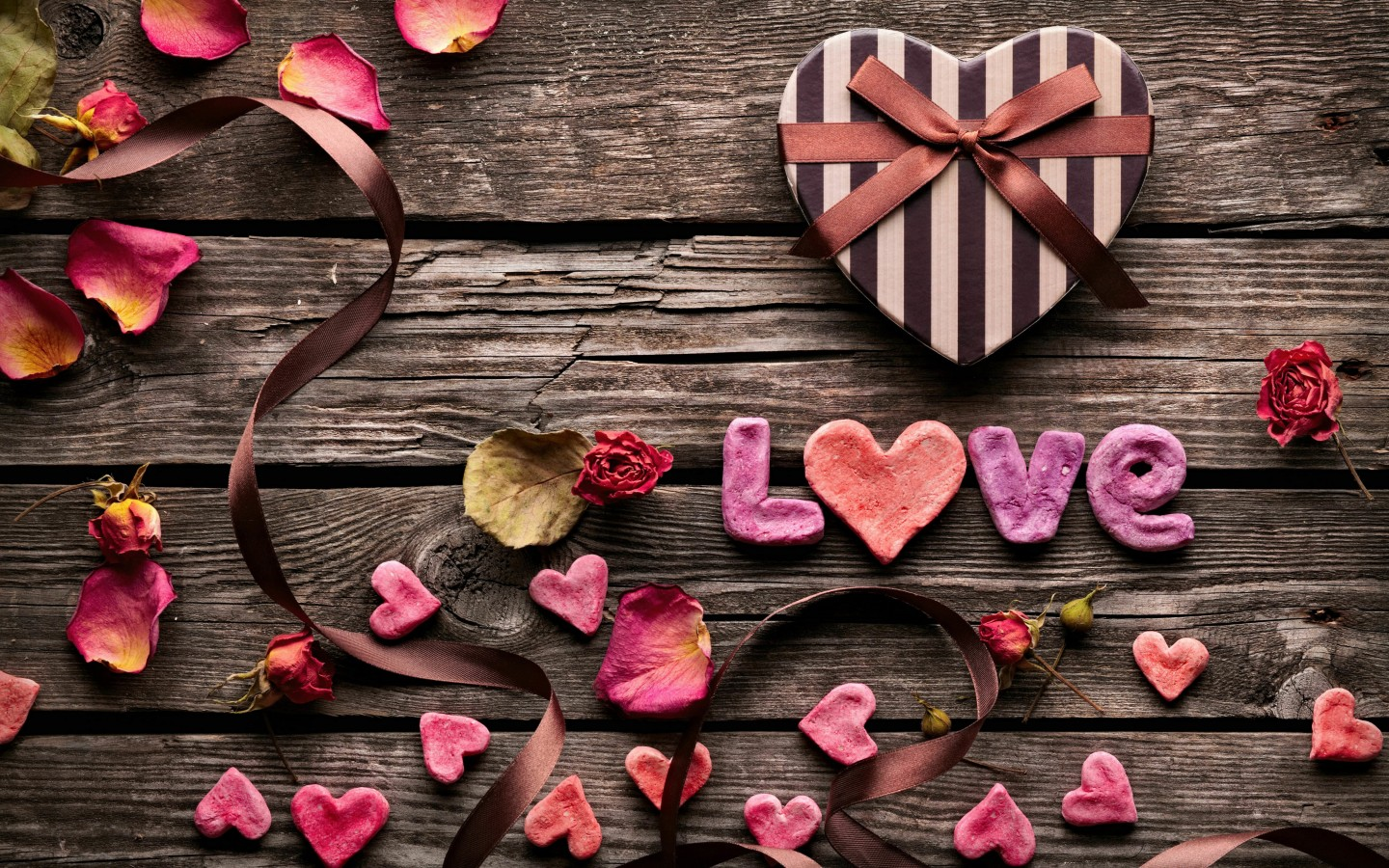 Romantic Gift Wallpaper for Desktop 1440x900