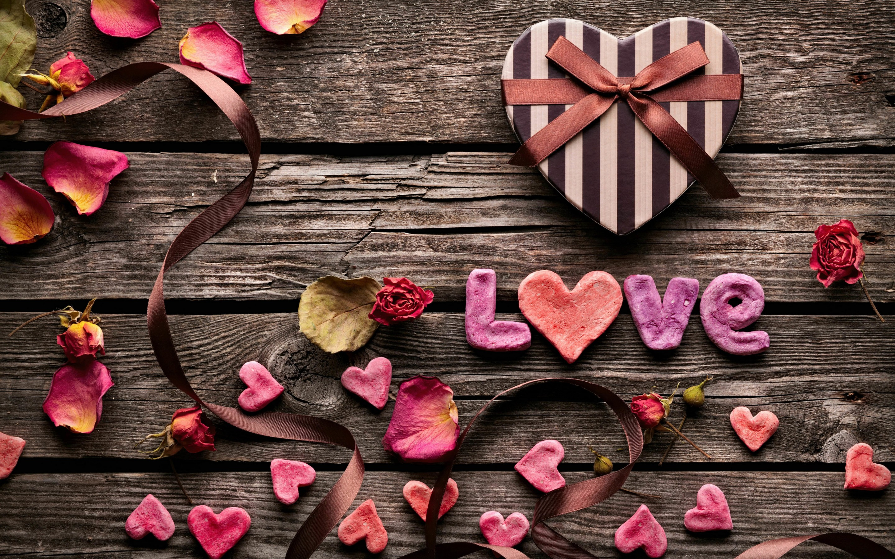 Romantic Gift Wallpaper for Desktop 2880x1800