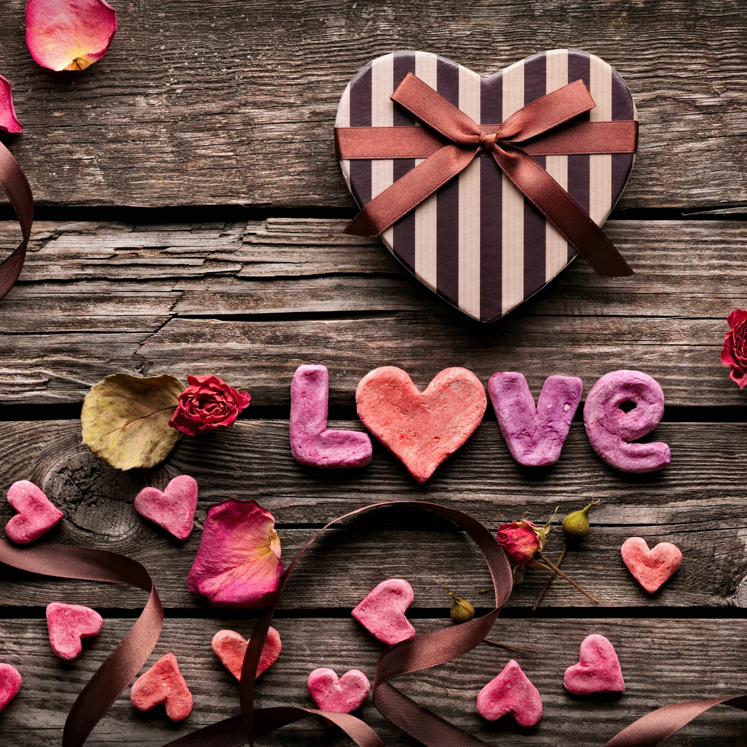 Romantic Gift Wallpaper for Apple iPad 4