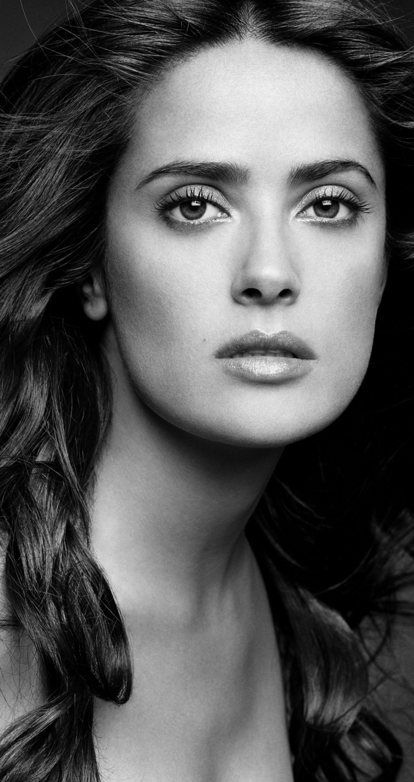 Salma Hayek Black & White Portrait Wallpaper for Apple iPhone 6 / 6s