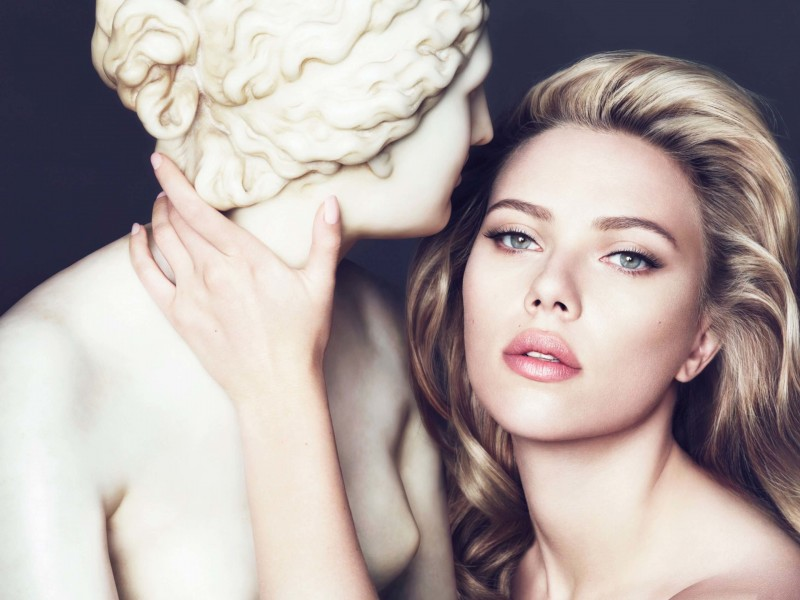 Scarlett Johansson in Dolce & Gabbana Advert Wallpaper for Desktop 800x600