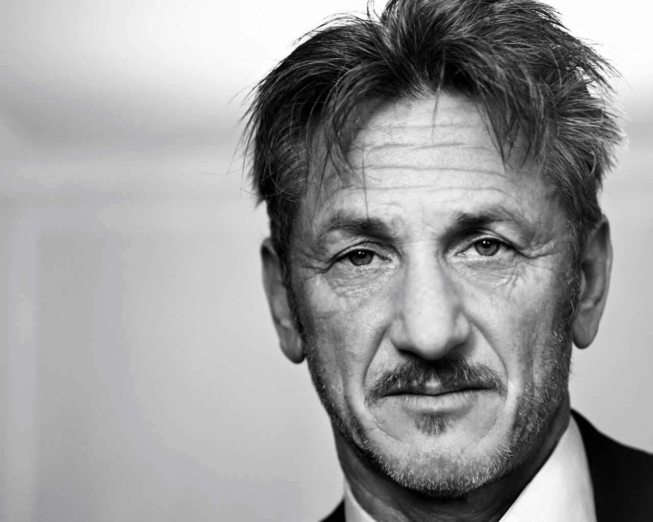 Sean Penn Portrait in Black & White Wallpaper for Desktop 1280x1024