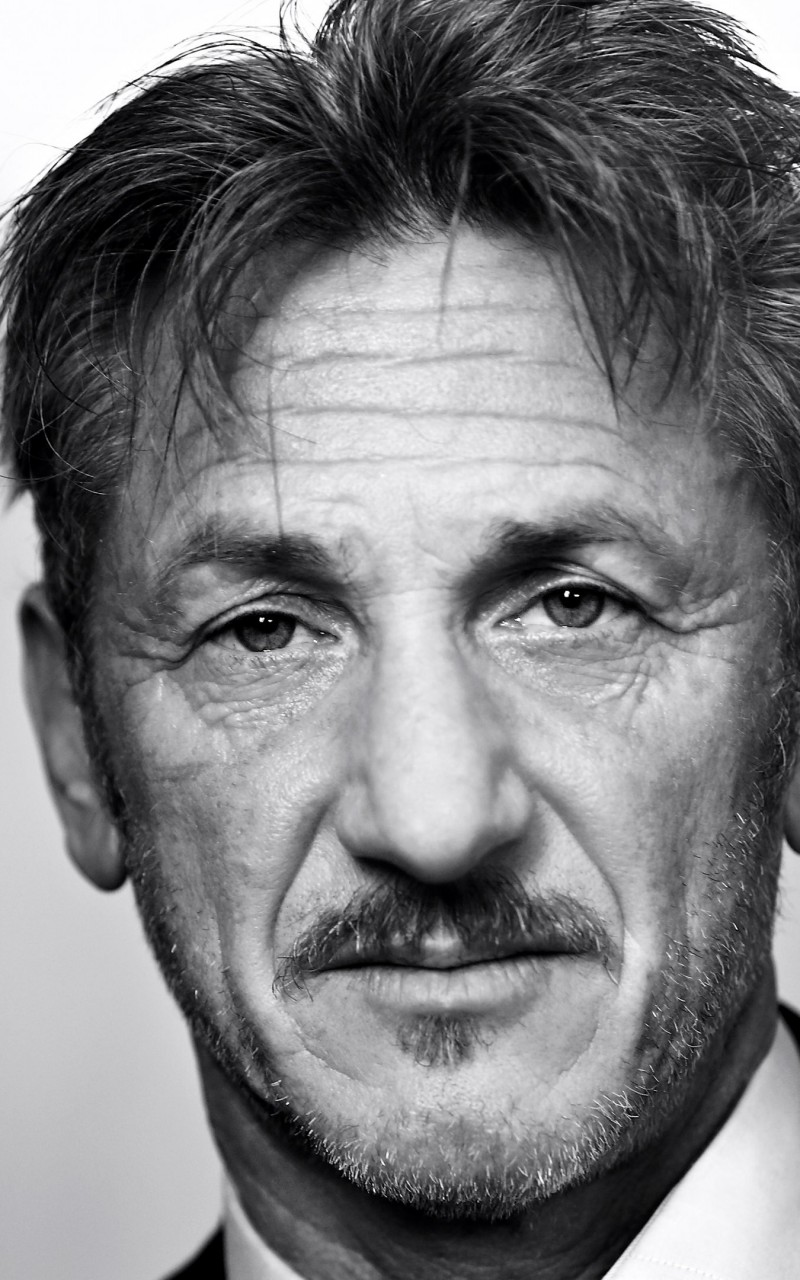 Sean Penn Portrait in Black & White Wallpaper for Amazon Kindle Fire HD