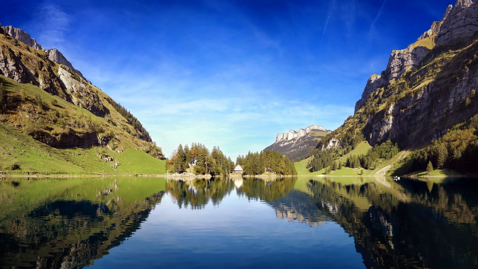 Seealpsee lake in Switzerland Wallpaper for Desktop 1600x900