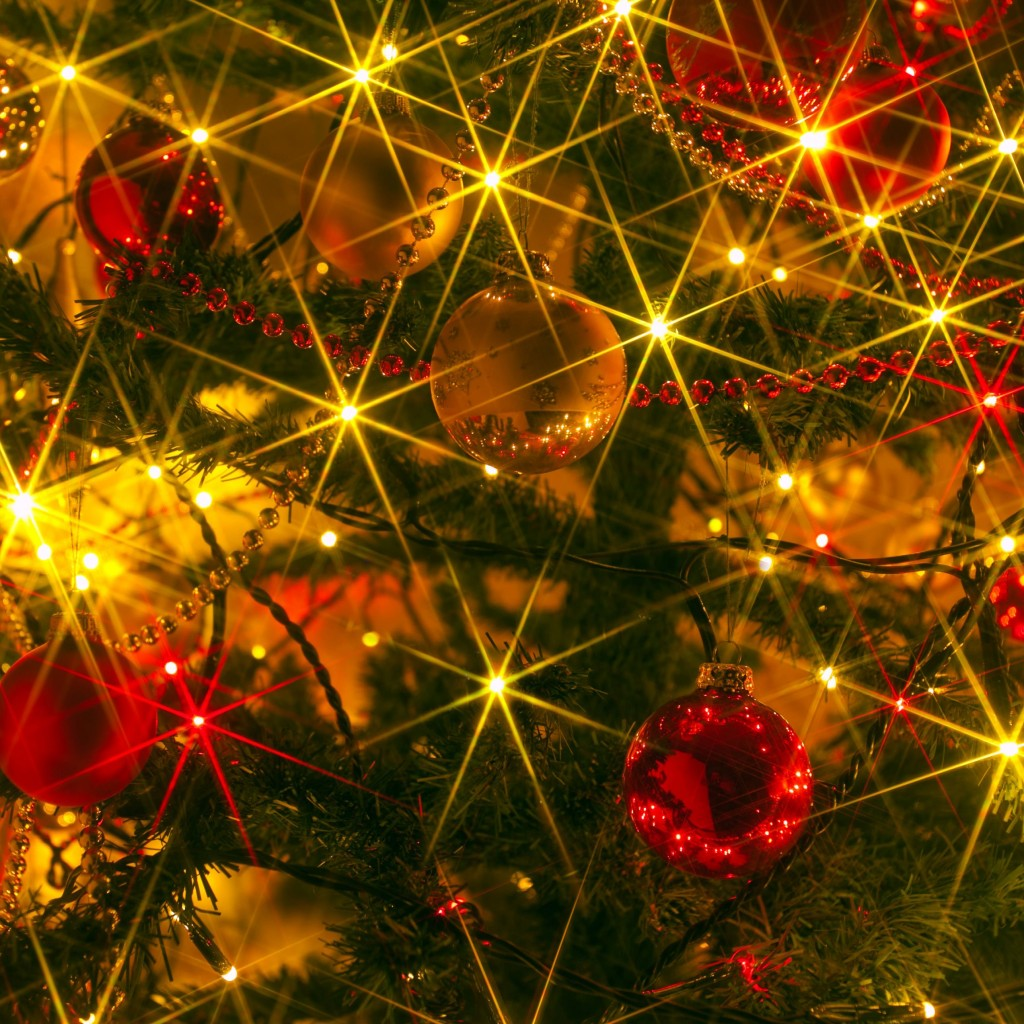 Shiny Christmas Wallpaper for Apple iPad 2