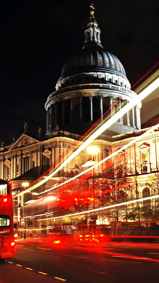 St. Paul's Cathedral at Night Wallpaper for SAMSUNG Galaxy S4 Mini