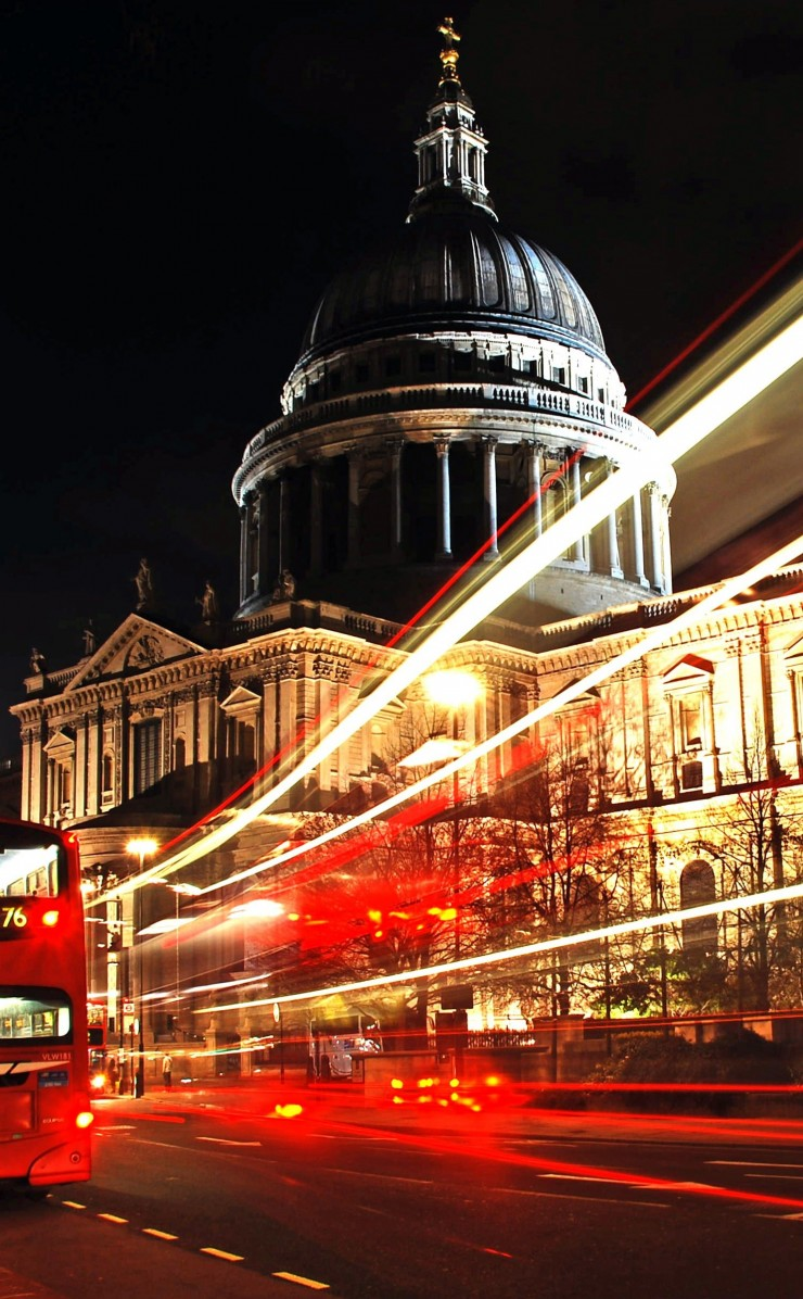 St. Paul's Cathedral at Night Wallpaper for Apple iPhone 4 / 4s