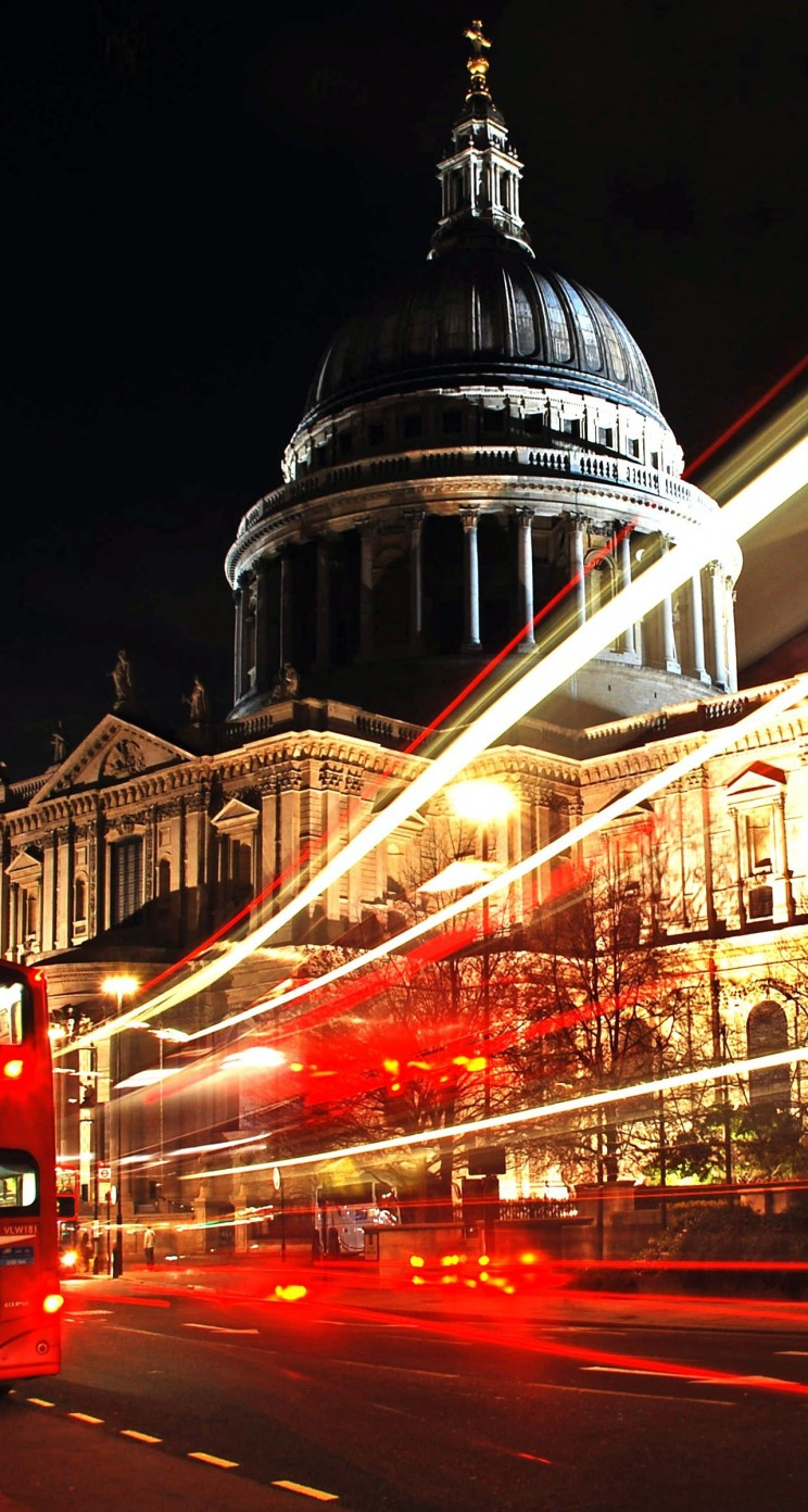 St. Paul's Cathedral at Night Wallpaper for Apple iPhone 5 / 5s