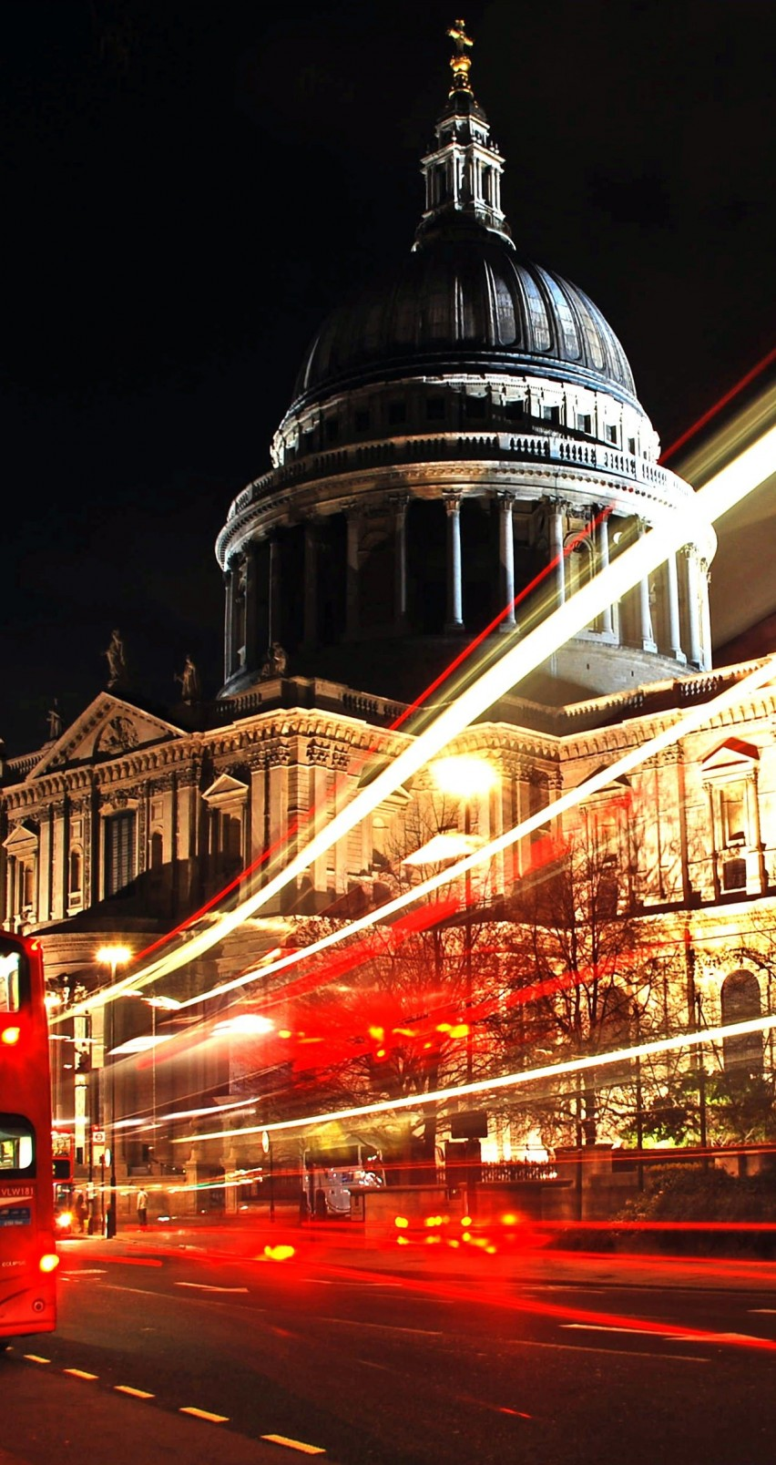 St. Paul's Cathedral at Night Wallpaper for Apple iPhone 6 / 6s