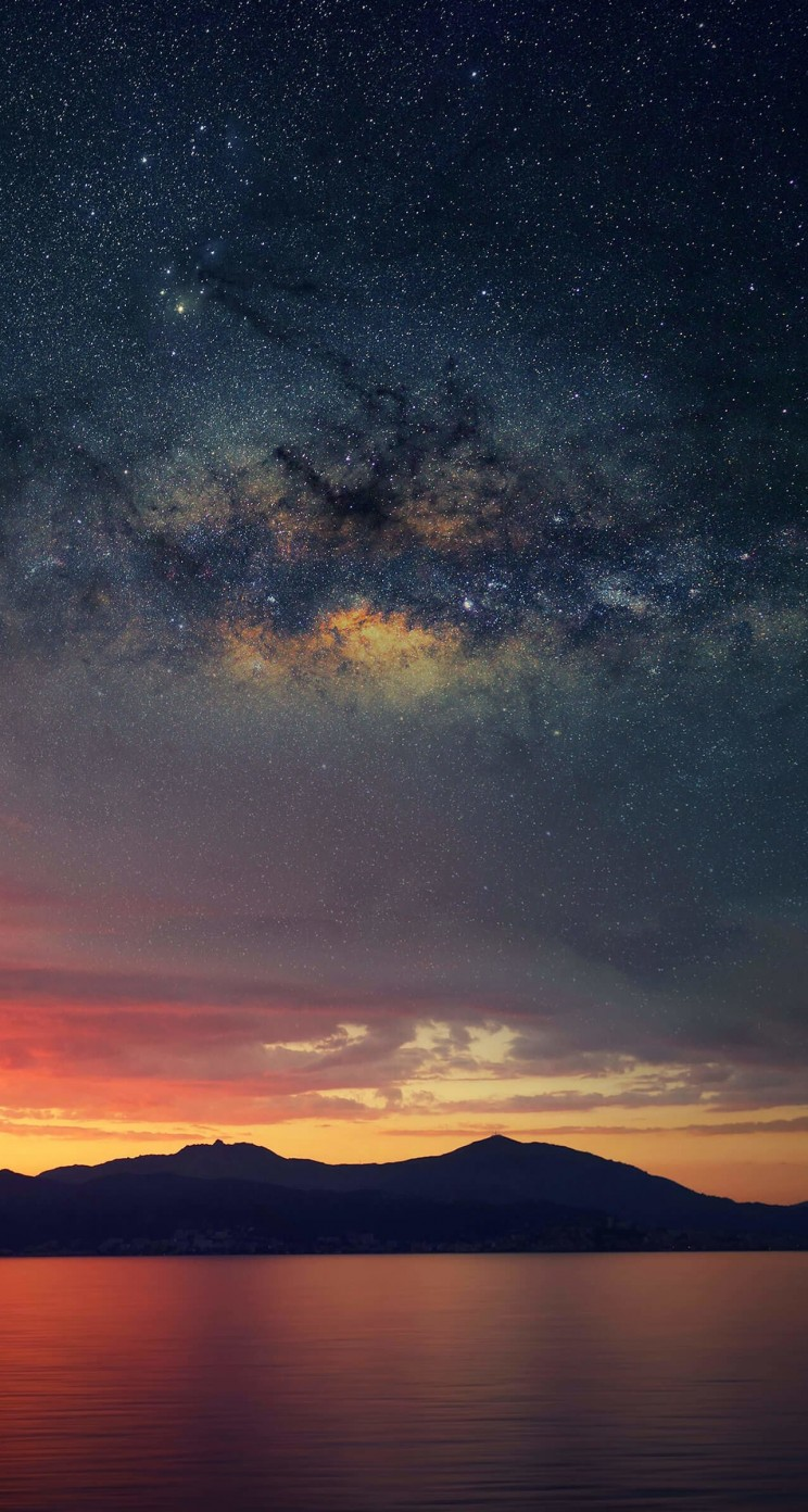 Starry Night Over Corsica Wallpaper for Apple iPhone 5 / 5s
