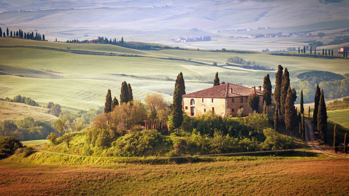 Summer in Tuscany, Italy Wallpaper for Desktop 1366x768
