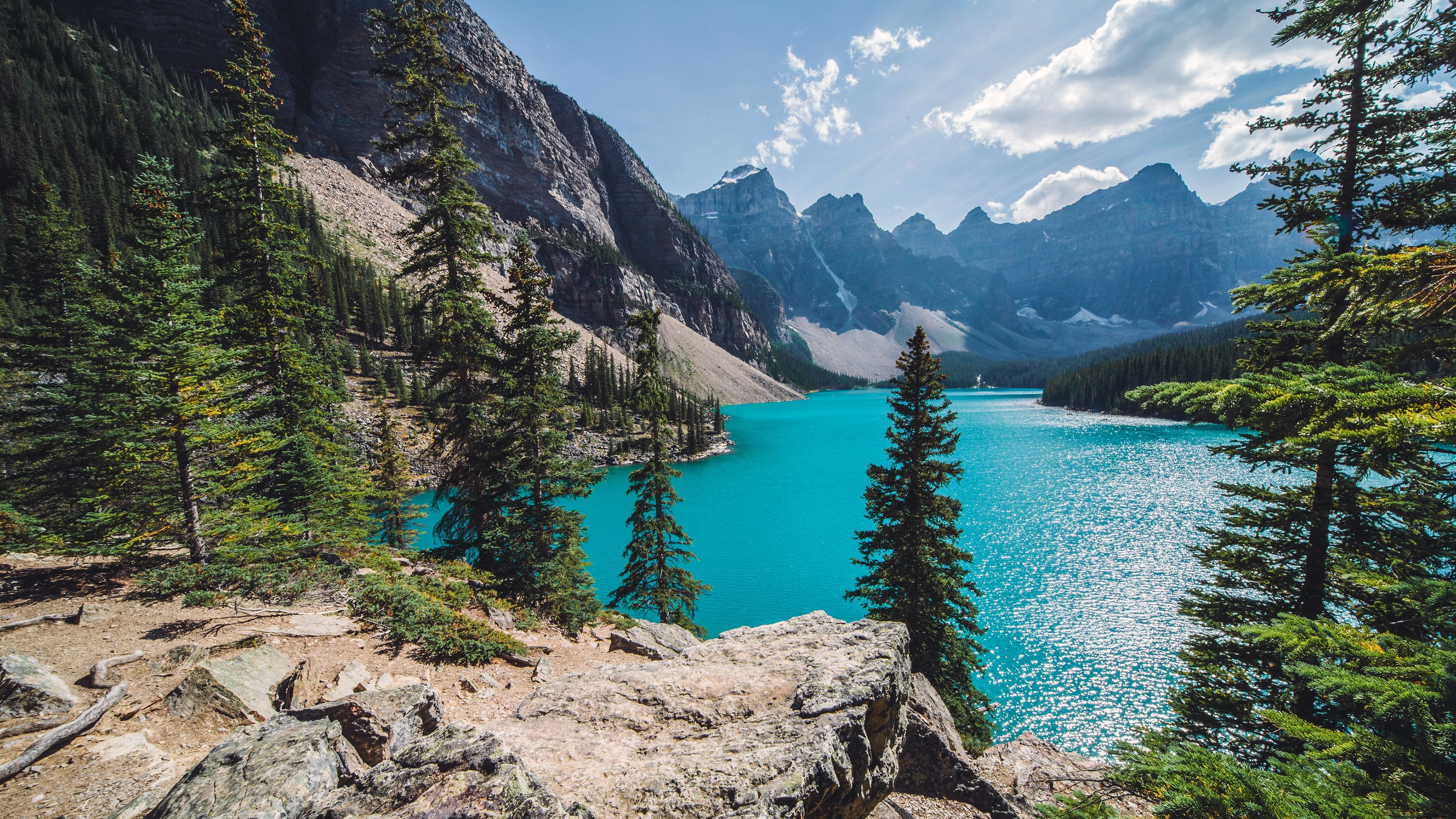 Download Sunny Day Over Moraine Lake HD Wallpaper For 4K