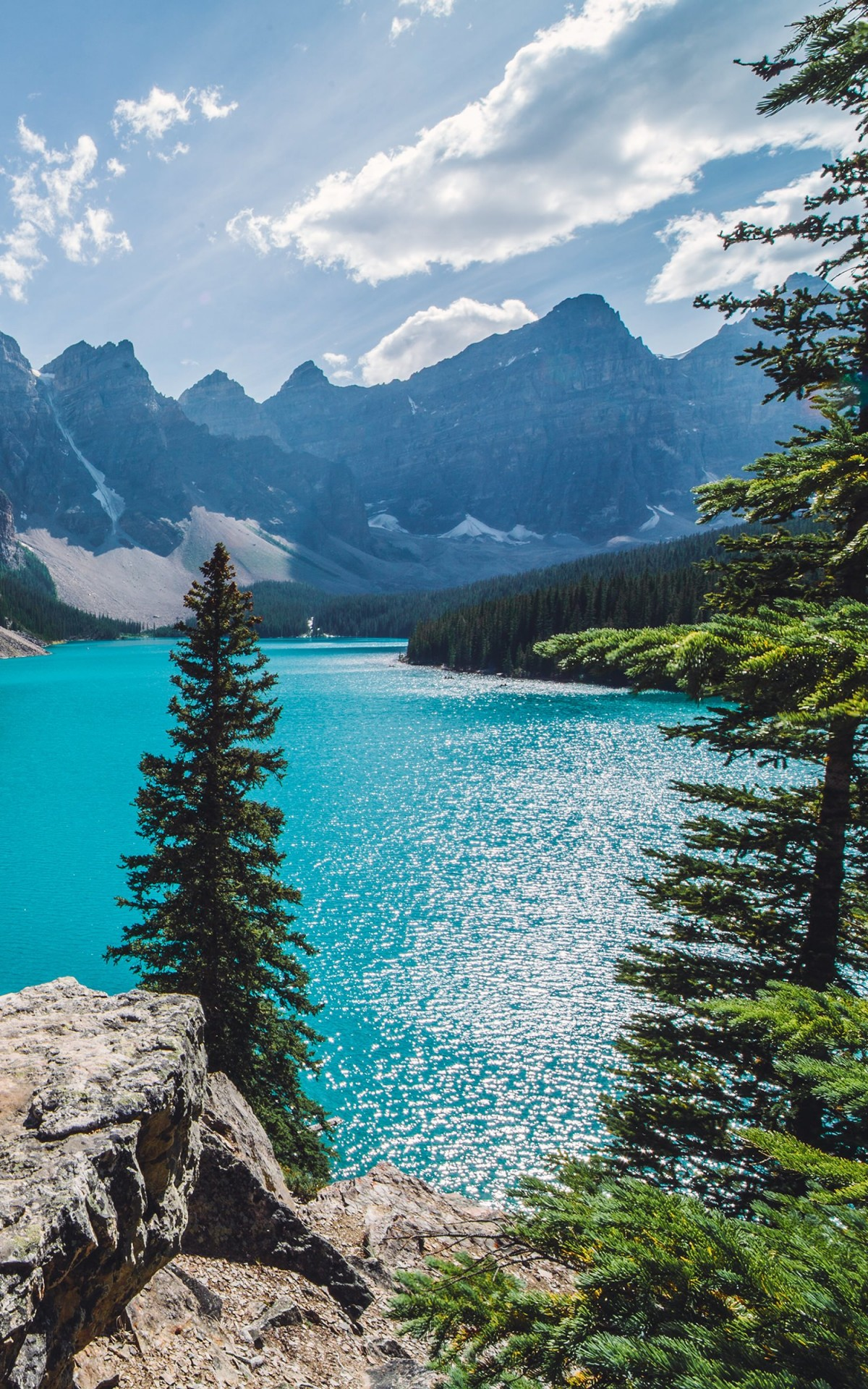 Sunny day over Moraine Lake Wallpaper for Amazon Kindle Fire HDX