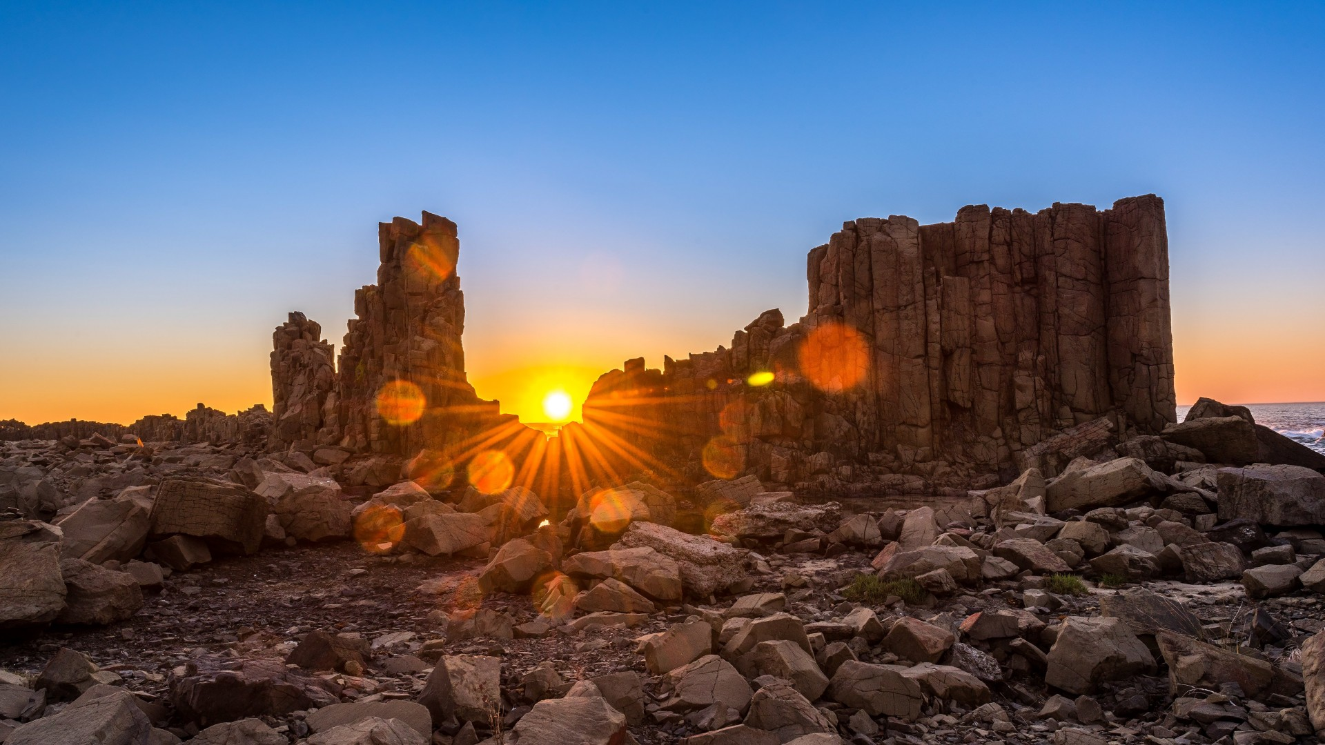 Sunrise Over Bombo Headland, Australia Wallpaper for Desktop 1920x1080